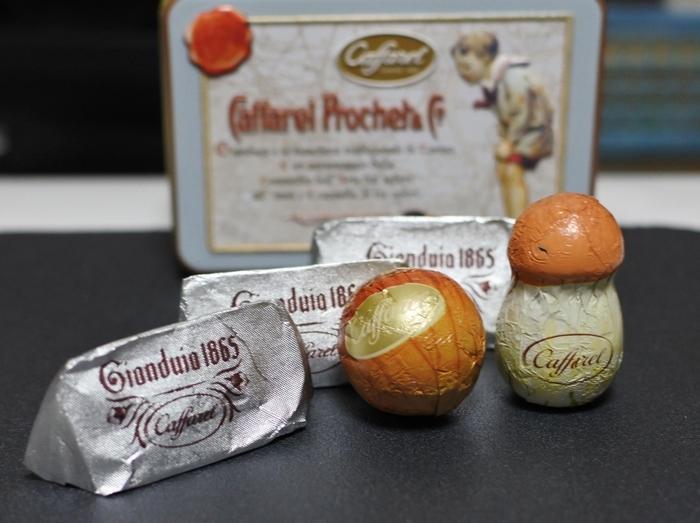 ヘーゼルナッツを使った「ジャンドゥーヤ・チョコレート」を生み出したカファレル。味はもちろん、包み紙や缶までおしゃれで遊び心があり、プレゼントにもよく選ばれています。