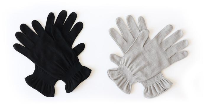 より接触の機会を減らしたい時には、手袋を着用しましょう。抗菌防臭機能がついた手袋なら使い心地は抜群♪シンプルなデザインは、人目が気になる場所でも安心です。