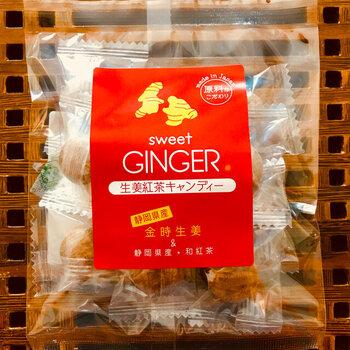 """生姜のなかでも""""生姜の王様""""と呼ばれるほど上質な品種の生姜と、紅茶をブレンドしたキャンディー。甘すぎない上品な味わいが特徴です。"""