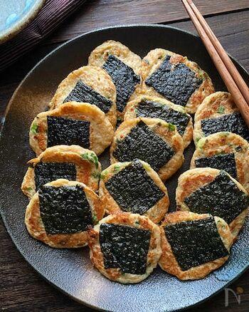お煎餅のような見た目が可愛い磯辺焼き。長芋をすりおろして作る生地は、ふわもち食感がクセになりそう!納豆入りで栄養たっぷりなのも◎そのままでも、醤油やポン酢を付けても美味しく頂けます。