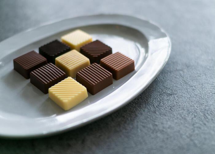 色々なバターチョコレートを味わってみたい方におすすめの、バターチョコレートを少しずつ楽しめる「デギュスタシオン」。カカオの産地にこだわったショコラや、最先端のショコラなど、さまざまな組み合わせにより、バターが持つ可能性を最大限に引き出した、魅力的なチョコレートを味わえます。