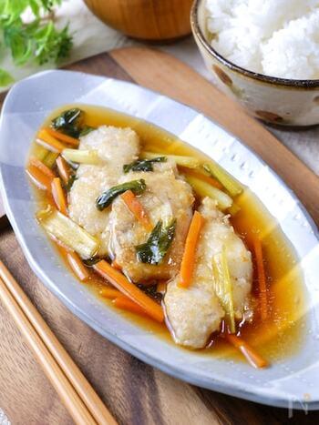 白身魚は高たんぱく・低カロリーでダイエットにおすすめの食材です。中でもタラはカロリーが低いので、しっかり食べたい人にぴったり。お酢で味付けすれば脂肪の燃焼を助けてくれます。