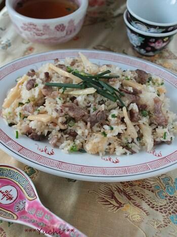 柔らかい穂先メンマを使った中華料理屋さんで出てきそうなチャーハン。牛肉を使うから簡単な炒飯でも満足できる一品に。パパッと作りたい休日のお昼ご飯に作ってみてはいかがでしょう。