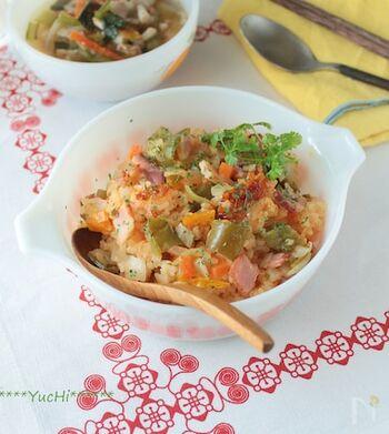 味付けはケチャップとカレー粉で決まります。具だくさんだから、これ一皿で栄養面もお腹も満足。