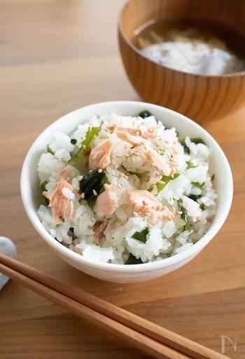 【ヘルシーなわかめの簡単レシピ23選】主菜からスープまで幅広くご紹介!