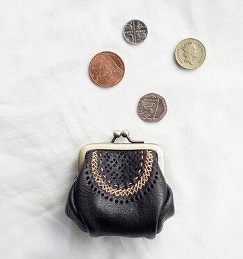 全国のスーパーはもちろん、コンビニなどの身近な場所で簡単に手に入ります。しかもリーズナブル。一缶200円前後でお給料前などお財布がピンチの時でも買いやすく、家計にも優しいので助かります。