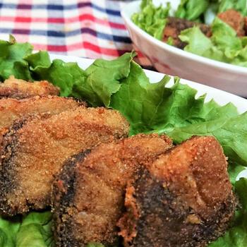 ぶりを唐揚げは、お肉のような食べ応えがあります。脂がのった旬のぶりは味わい濃厚でメインおかずにぴったり。