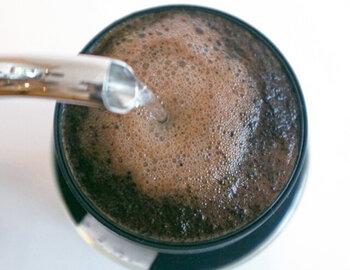 マイクロコーヒードリッパーをプラスすれば、タンブラーをそのままコーヒーのドリップに使用することもできます。2つ合わせても2,000円以下なので、プチギフトにぴったりですね♪