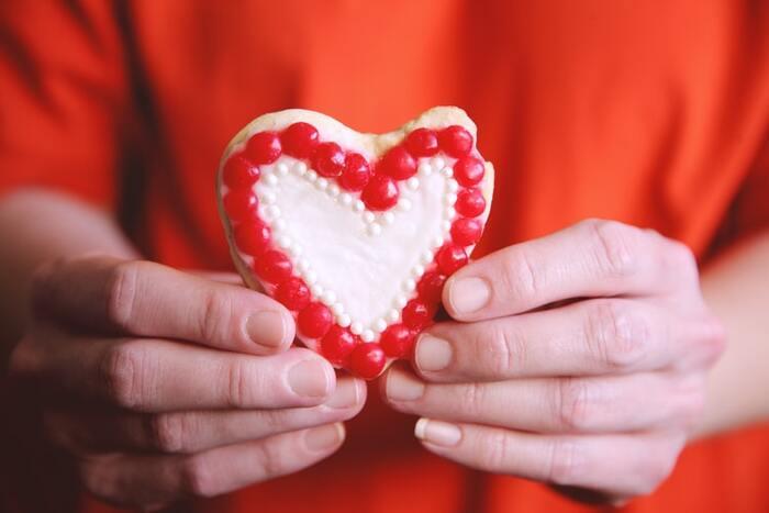 もうすぐバレンタインデー!チョコと一緒に贈りたい「プチギフト」特集