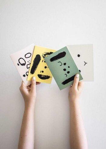 「ポストカード」でお部屋を彩ろう!飾り方テクニック&アイテム集