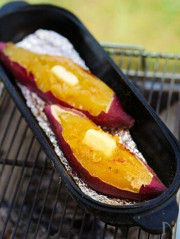 焼きいもやジャガイモなどをじっくりホクホクに加熱するホイル焼き。アツアツのおいもに体も温まり、出来立ての美味しさは格別で感激間違いありません。