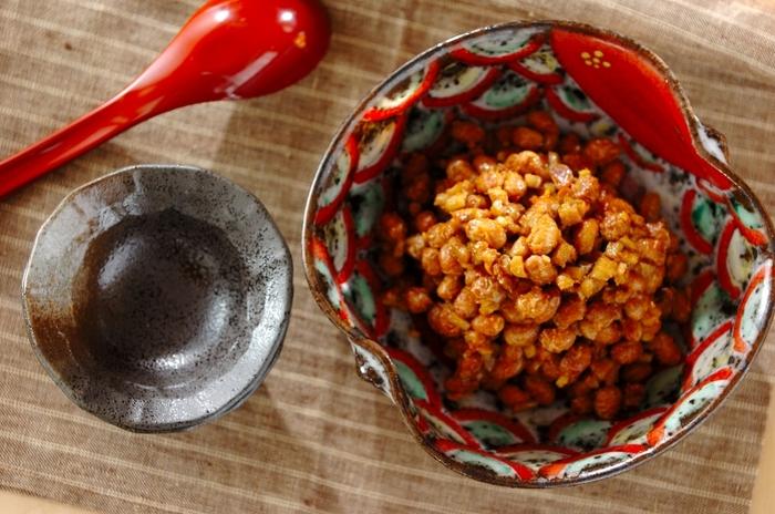 素朴な味わいの炒り大豆みそ。豆は茹でずに熱湯で戻し、食感を残すのがポイントです。ごはんのお供やおにぎりの具にしても美味しい◎常備菜として作っておくといろいろと使えて便利です。