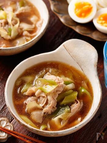 体力回復時にもりもり食べたいレシピ。豚肉&長ネギでお腹も満足。暑い時期には冷やして、寒い時期には温かいままで、年中楽しめるレシピです。