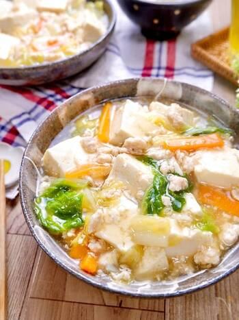 お豆腐を一丁使ったヘルシーレシピ。白菜の甘みとあんのとろみがたまりません。