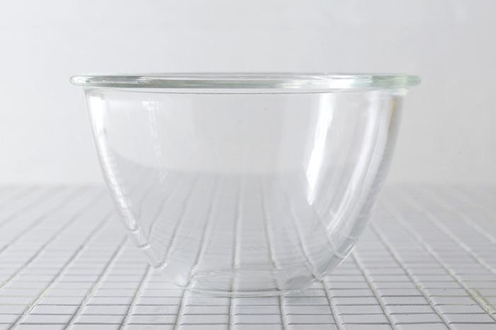 生地の材料を混ぜる時に活躍してくれるボウルは必須アイテム。発酵具合がわかりやすい透明のものがオススメです!