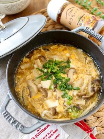 余りがちなドレッシングを活用したスープ。しめじ・しいたけ・えのきのきのこ3兄弟が入っていて、きのこ好きにはたまらない味です。