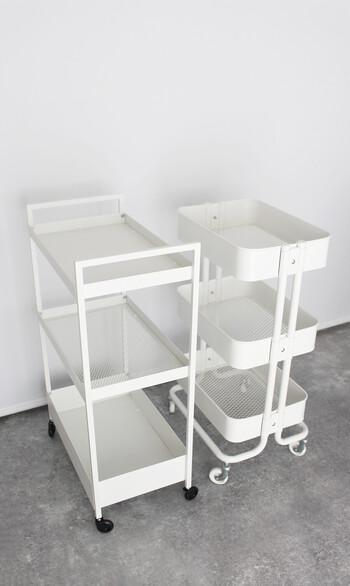 IKEAで大人気のワゴンは、種類がたくさんあって選ぶのが楽しいですが、今回ご紹介するのは大ヒットした2つのワゴン。 ちょっとした収納にとっても便利なアイテムです。