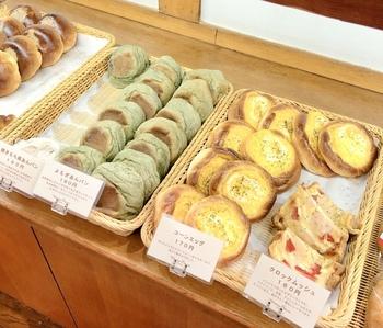 店内には、菓子パン、サンドイッチ、お惣菜系パンなど種類豊富に揃っていて目移りしてしまいます♪日常使いにぴったりのパン屋さんなので、リピーターさんがとても多いです◎
