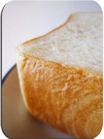 きめ細かくもっちりとした生地で、まさに毎日食べられる食パン。シンプルがゆえに、作り手の丁寧な作業が伝わってくるような逸品です。