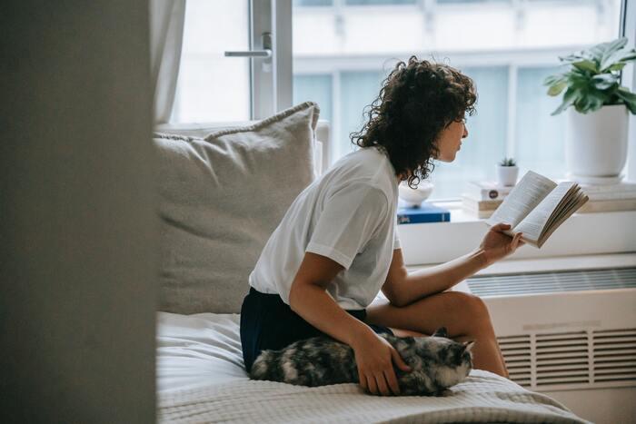 朝の時間帯は1日の中で最も集中力が高いため、知識を増やす絶好の機会。「趣味の範囲を広げる」「難しい本を読んでみる」「資格の勉強をする」などに取りかかるのにも最適な時間です。「いつもより集中できた」と感じることが、モチベーションアップに繋がります。