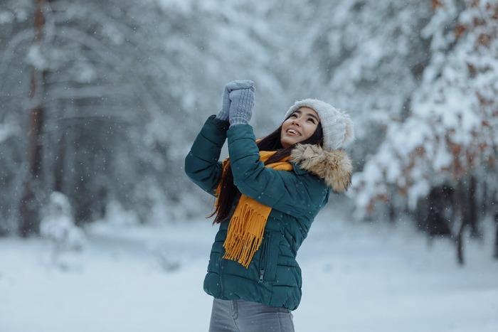 冬のアウトドアや、外仕事で活躍。【着る・履く・身に着ける】防寒グッズ