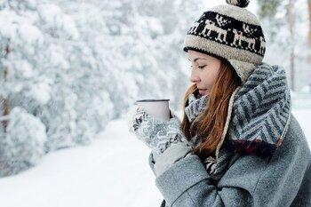 家に閉じこもりがちな冬こそ、思い切って外で体を動かすと気持ちがパっと明るくなるはず。便利な防寒グッズで上手に寒さ対策してみてはいかがでしょうか。