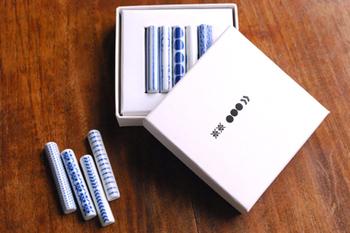 箸置きが5個入る箱も別売りであります。好きな柄を選んでオリジナルのセットを作るのも楽しそうです。箱があれば、収納にも困りませんね。