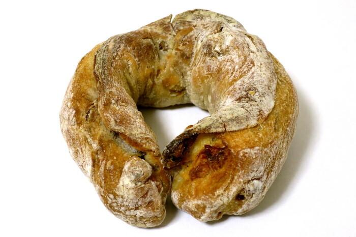 くるみの他に、ベーコンとチーズが練りこまれている「クルクルセイバリー」も人気商品。こちらも、グランプリ受賞の経歴をもつパンなんです♪「雨の日も風の日も」に来たら、ナッツ系のパンは要チェックです。