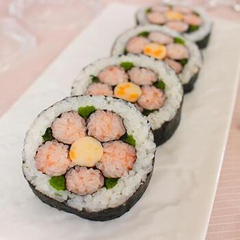 意外に簡単にできるので、初めての方にもおすすめの飾り寿司。春の集いが、パッと明るくなりそうな愛らしさですね。