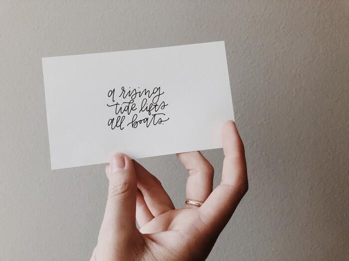 贈り物に言葉を添えて。かわいいメッセージカード12選