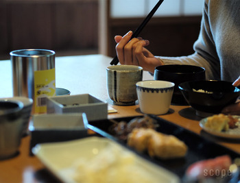 便秘の原因は≪食べ過ぎ・飲み過ぎ・運動不足?≫腸の不調を解消する3つのヒント