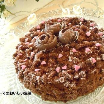 こちらは市販のペースト上になったジャンドゥーヤを使用して作ったケーキ。そのペーストに生クリームを追加してにコクを出しています。バレンタインにもおすすめなケーキです。