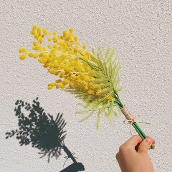 乾燥した後に、花瓶などに飾りたい時にはどこから見ても綺麗なブーケがおすすめ。大きさが大きい時には、ある程度乾燥するまでは吊るしておくと真っすぐな状態をキープすることができます。