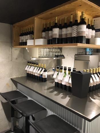 5種類のキュヴェ(ワイン原酒)をブレンドしながらワインを作ることができます。そんなワインに合わせて考案されたのが、スペシャリテのチーズテリーヌ。