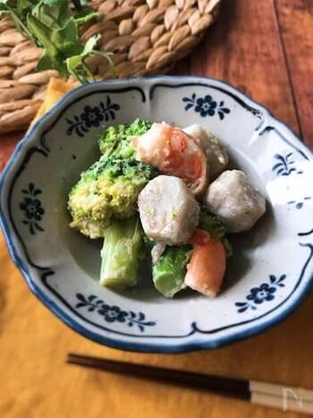 黄金コンビの明太子×マヨネーズが味の決め手!里芋が入ることでボリュームアップ。メインにもなりそうなサラダです。野菜を加熱したら、調味料を和えるだけなので簡単♪