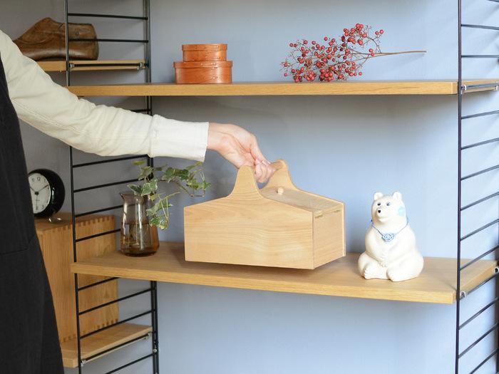 使わないときは棚に飾っておけば、インテリア感覚で使用できます。取っ手付きなので、持ち運びにも便利です。