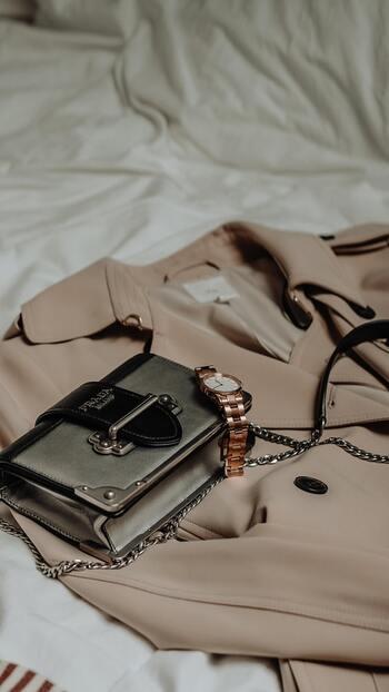 1つは持っていたいクラッチバッグ。日常使い「シンプルタイプ」とパーティー仕様「クラシカルタイプ」