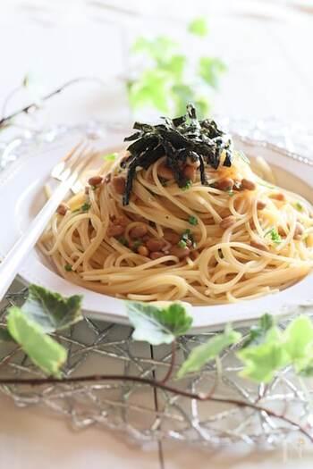 シンプルな材料でパパッと簡単調理♪納豆と同じく発酵食品の味噌も加えた、腸に優しい一品です。最後にお好みで海苔を添えて出来上がりです◎