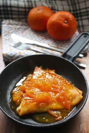 クレープを和風にアレンジしたレシピ。みかんの優しい香りが食欲をそそります。こちらのレシピはブランデーが入っているので、大人のおやつとしてお楽しみくださいね。