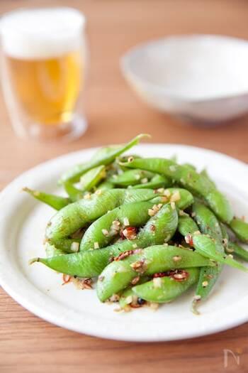 枝豆をさっと炒めるだけの料理も、花椒を使って一気に本格的な中華料理の味に。強い火力で調理する炒め物も、ホールタイプを使った方が香りが飛びにくいです。