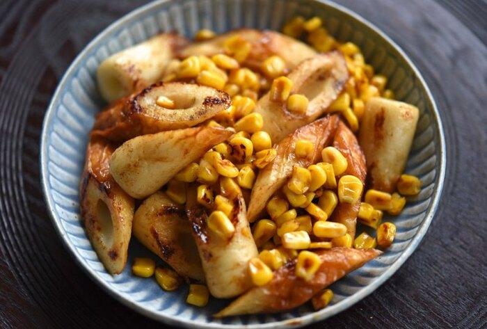 ちくわとコーンをサッと炒めて味付けするだけで、作り方はとてもシンプルなのに味わい深い。食べるときにお好みでマヨネーズを少し添えると、おいしさがアップします。