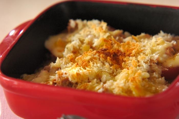 相性抜群のトマトとツナを使ったレシピ。熱々のとろけるチーズがよくからんで、とってもおいしい♪