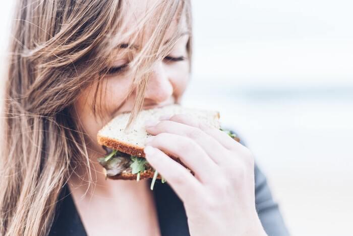 基礎代謝が上がる冬は「代謝UP」のチャンス! 食事やストレッチで太りづらい体へ