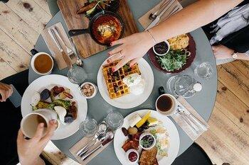 食べ過ぎを上手にリセット!食欲をコントロールするための方法とは?
