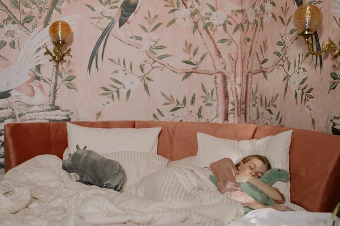 ぐっすり眠れる「抱き枕」20選*《快眠・腰痛持ち・妊婦さん》アイテム厳選