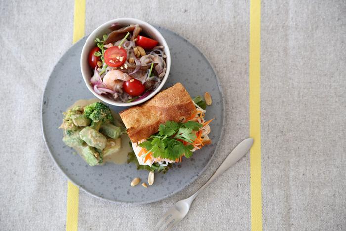 主食+おかず+サラダとバランスよく盛り付けるので、必然的に栄養バランスが良くなります。一皿で必要な栄養を取れるからうれしいですね。