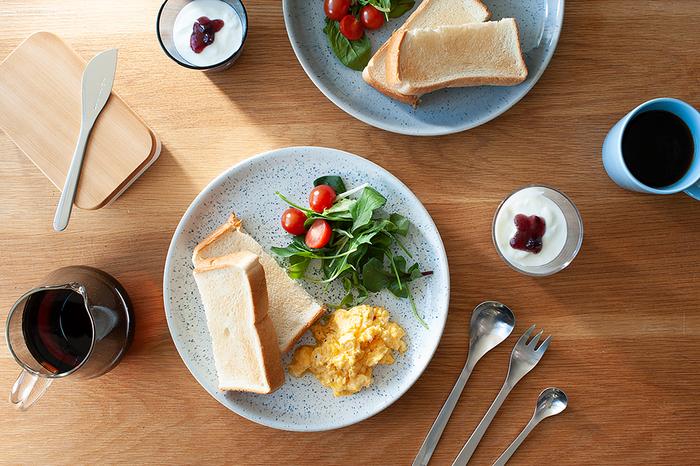 たんぱく質を補いたいときは、スクランブルエッグや目玉焼きなどの卵料理をプラスするとGood。