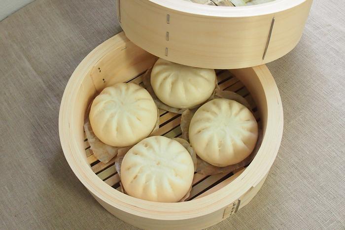 作るのに手間がかかりそうに思える「中華まん」。案外、簡単に作れるなんて驚きですよね!おうちで作る「中華まん」なら出来立てのアツアツを、家族みんなで食べられます。今年の冬は、ぜひ、「中華まん」で贅沢なおやつタイムを楽しんでみてくださいね♪