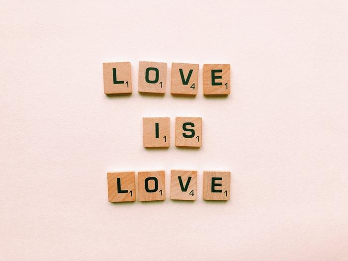 好きよりも、もっと深い情熱や愛情を持って「推し」を愛でている人や「推し」が生活の基盤になっているという人は少なくないのではないでしょうか。あなたには、今「推し」はいますか?