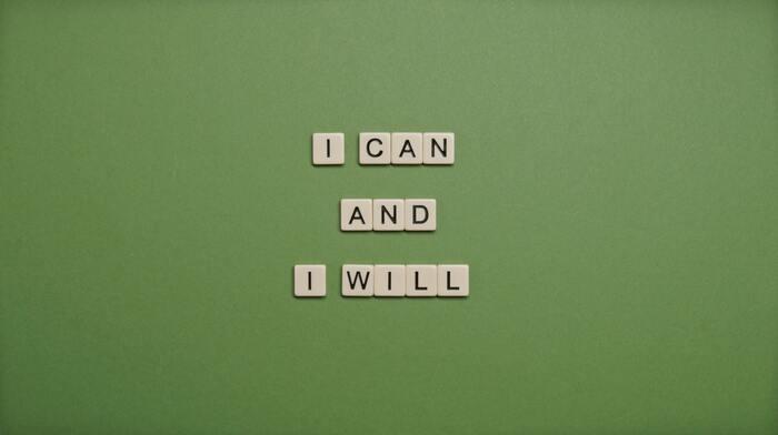 真面目な性格で、完璧主義。手を抜いていい場面でも全力で物事に取り組んでしまっていませんか? しかし、何もかもを完璧にこなそうとすればするほど、うまくいかなかったときのダメージが大きくなってしまいます。自分はこうすべきだ!と自分ルールを頑なに守ろうとして自分を追い込みすぎているのかもしれません。